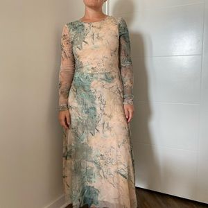 Maxi dress in beautiful pattern with low back